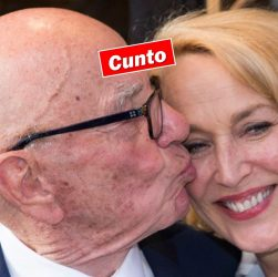 Rupert Murdoch kissing Jerry Hall